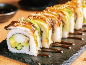 sushi rolls inside out