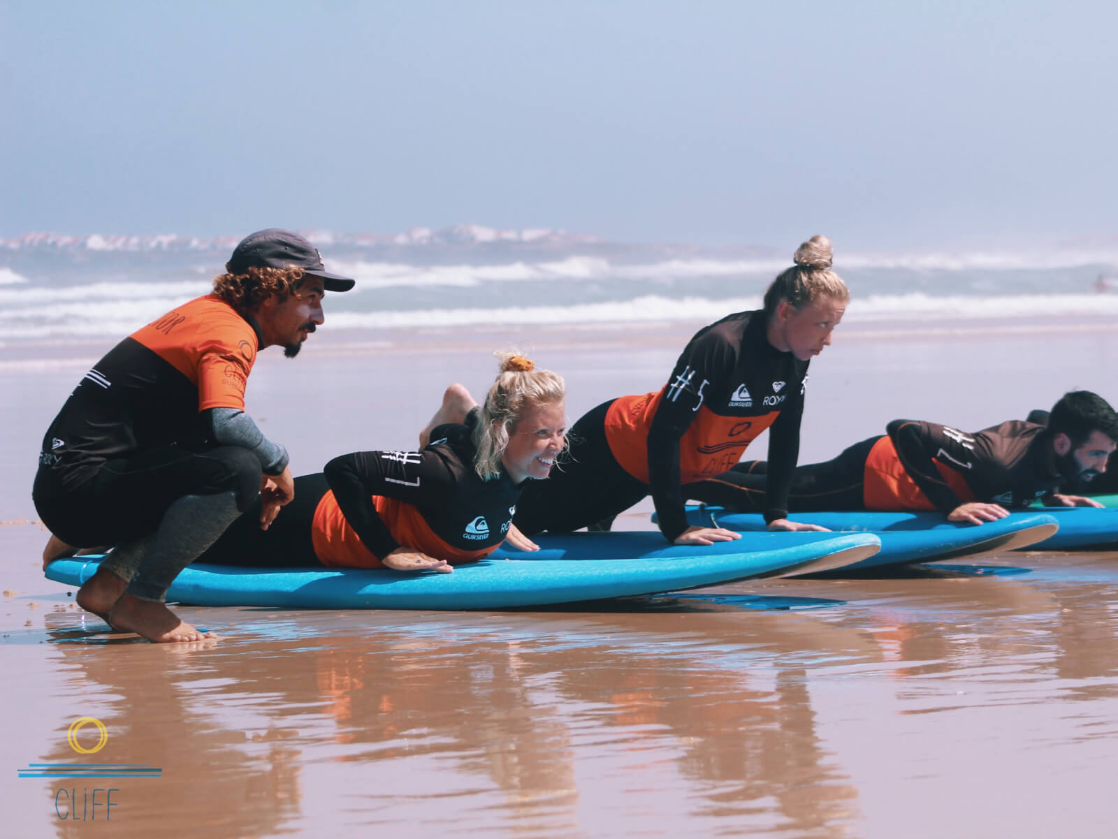 surf coach teaching